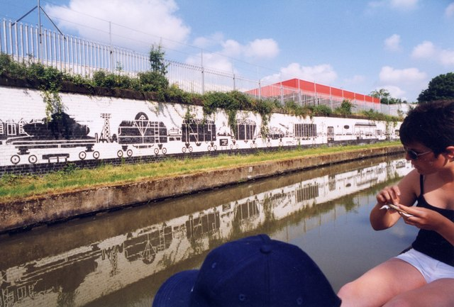 Mural on the Grand Union Canal, Wolverton