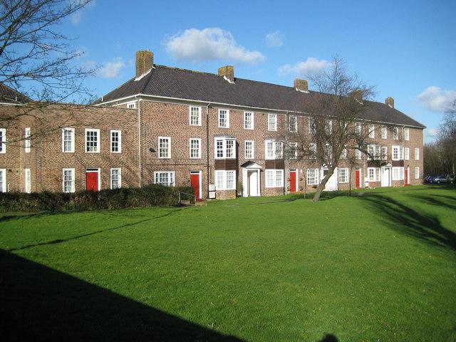 Morden: Haig Homes, Douglas Square, Green Lane