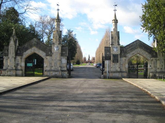 Morden: Battersea New Cemetery
