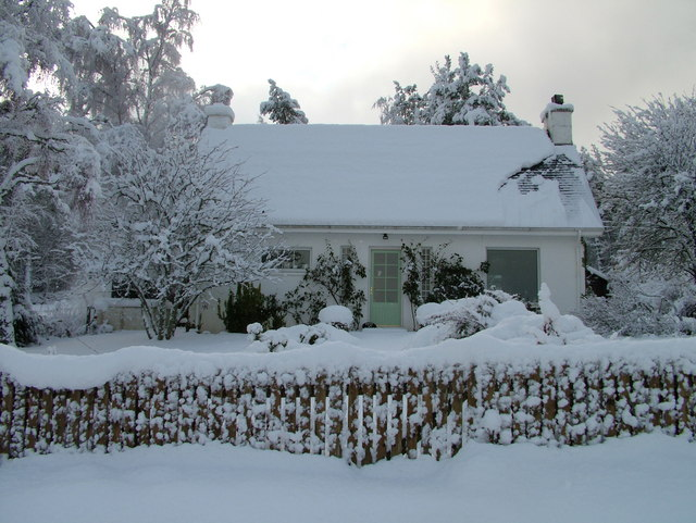 The White Cottage in the snow