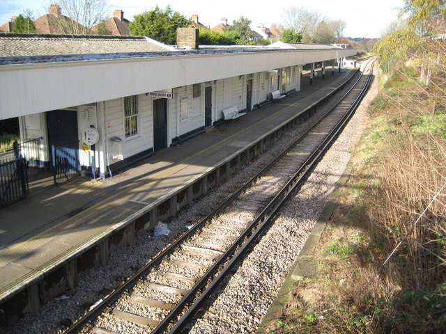 Motspur Park railway station