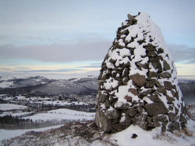 Cairn below Craig Vallich overlooking Ballater