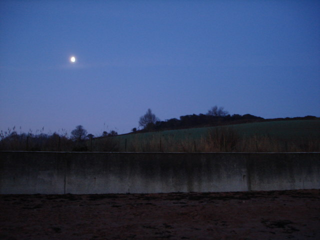 Broadsands beach - moon before dawn