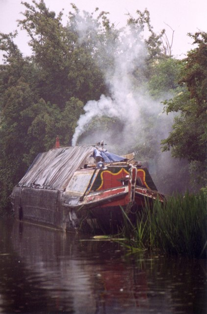 Home on the Grand Union canal