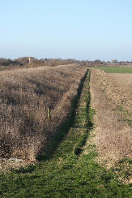 Farm track to Ongar Hill