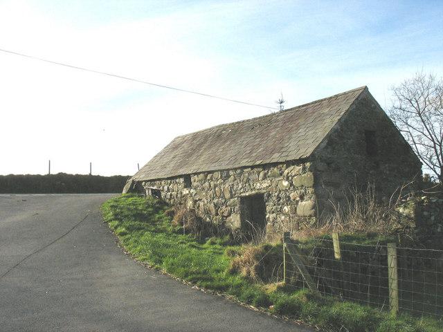 Stone kiln at the Llwyndyrys road junction