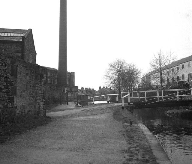 Brewery swing bridge 177, Leeds and Liverpool Canal, Skipton