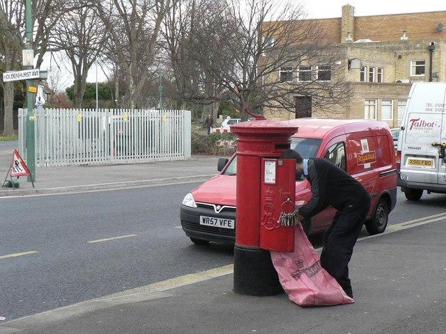 Iford: postbox № BH7 235, Christchurch Road