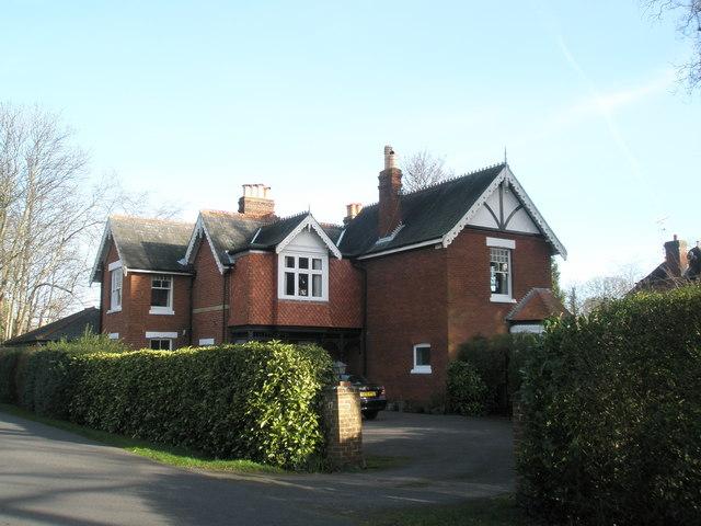 Splendid house in Wade Court Road