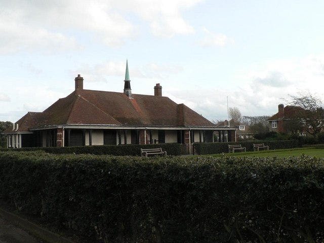 Seafield Gardens: pavilion and bowling green