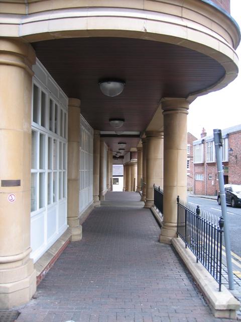 Walkway under Merchant House - daytime
