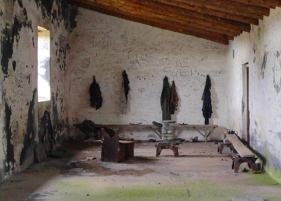 Pen Garrett Mess Room