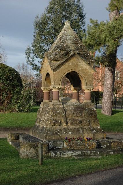 Drinking Fountain, Dumbleton