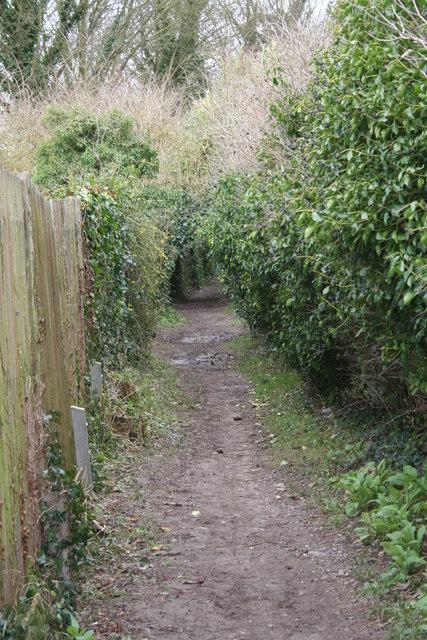 Footpath to the bullshole