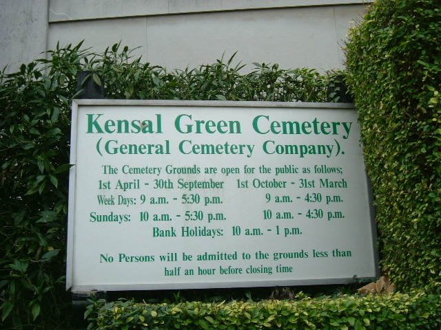 Kensal Green Cemetery, Harrow Road entrance