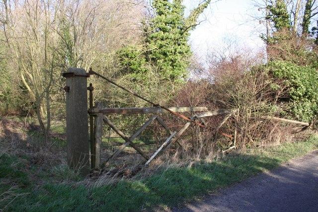 Grainsby Halt crossing gate