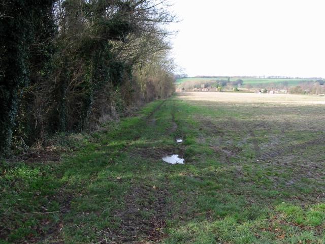 View along footpath to Nonington