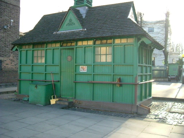 Warwick Avenue, W2 - London Cabbies Shelter