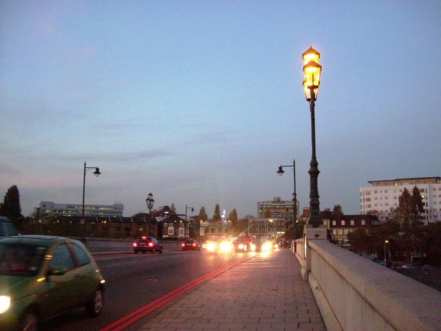Dusk on Kew Bridge - A205 (T) South Circular Road
