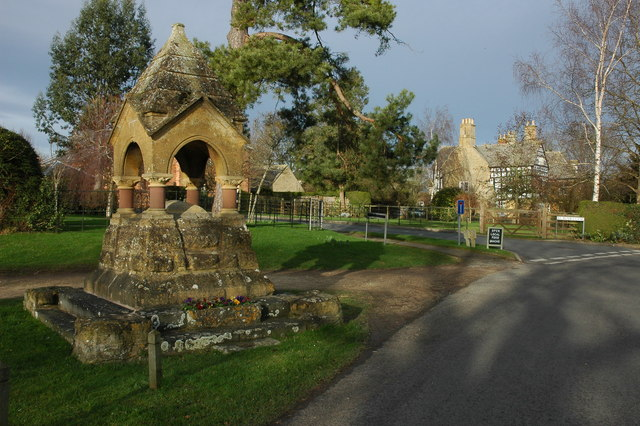 Drinking Fountain, Dumbleton