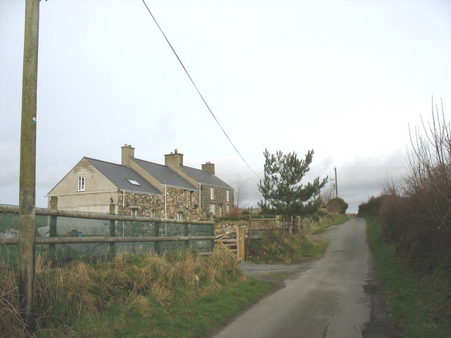 Approaching Efail Penmaen from the west