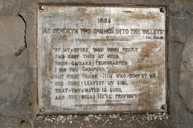 Plaque on Spring at Bridge of Ardonald