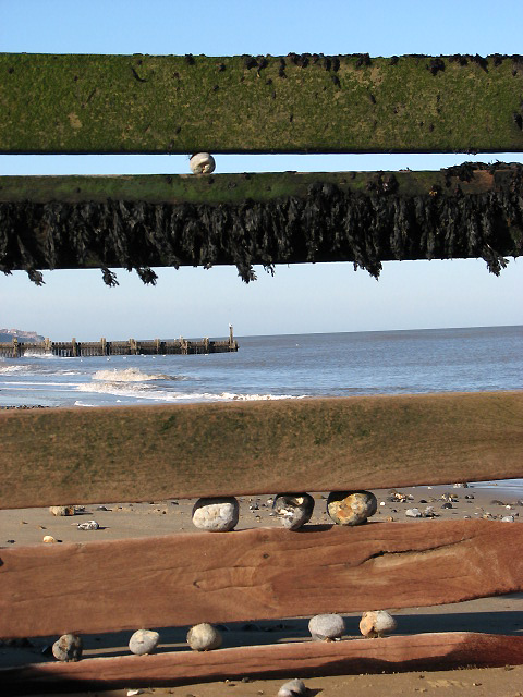 Looking through gaps in a groyne