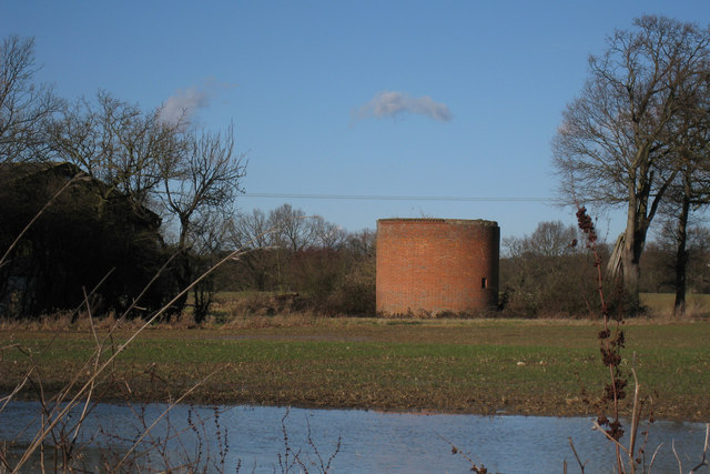Remains of Oast House, Fouroaks Farmhouse, Four Oaks Road, Headcorn, Kent