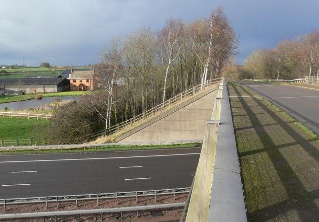 Pingle Lane motorway bridge