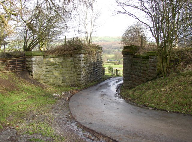 Disused railway bridge, Draughton