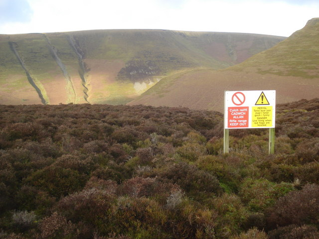 Boundary of the Harley Dingle Firing Range