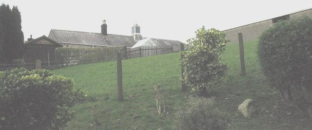 Farm buildings at Pont-y-Gribin
