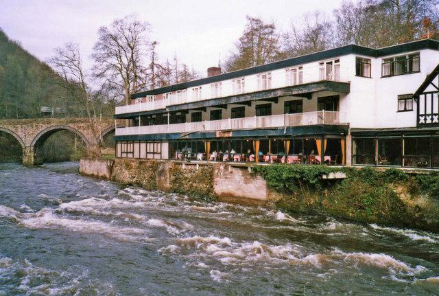 Chain Bridge Hotel, Berwyn
