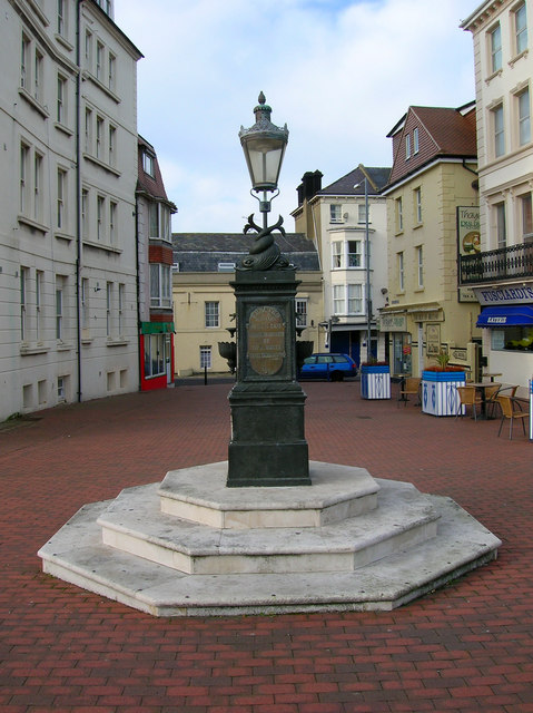 Seahouses Square