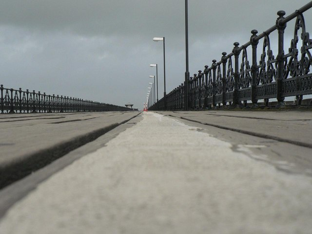 Ryde: white line on the pier