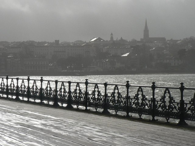 Ryde: ornate ironwork on the pier