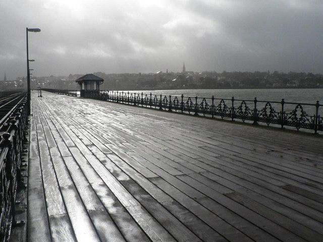 Ryde: pier shelter