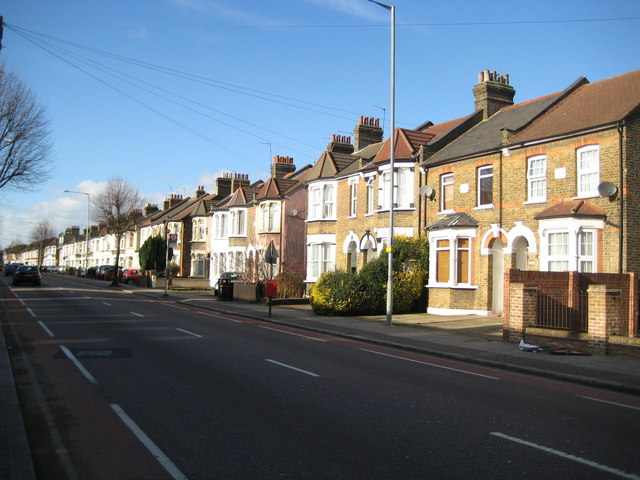 Ponders End: A110 Nags Head Road
