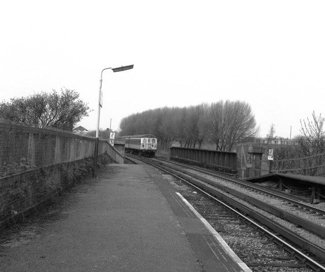 Woodlands Road station
