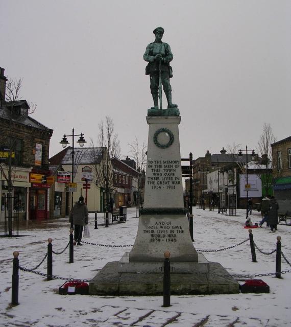 War Memorial - Bank Street