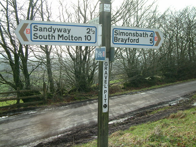 Signpost at Gravel Pit Cross