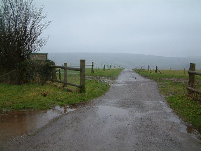 Private road to Pickedstones