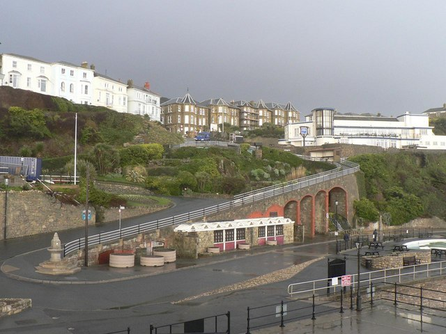 Ventnor: Cascade Gardens and Shore Hill
