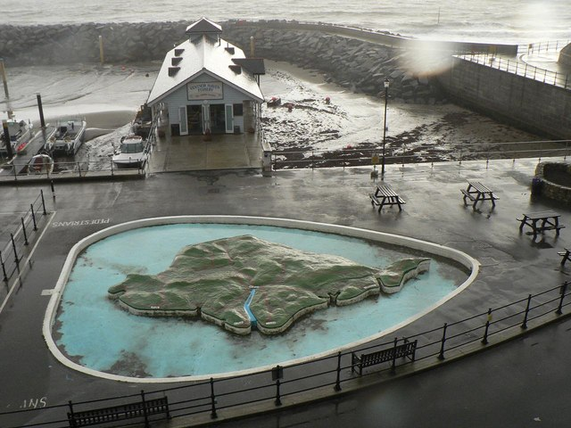 Ventnor: Wight-shaped paddling pool