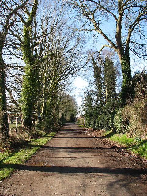 Private driveway to Wood Farm