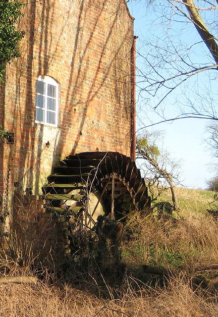 Old waterwheel at Upleadon Mill