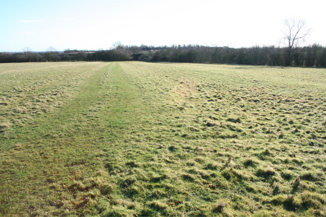 Field track west of Moat's Way Farm