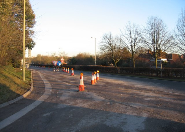 Allotment access road joining Churchill Way West