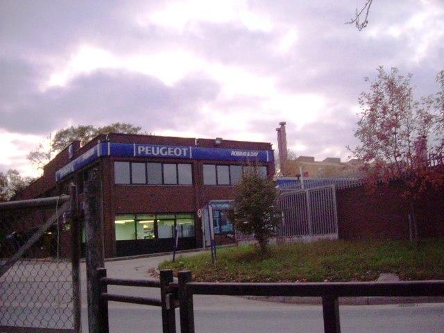 Transport Avenue - Peugeot dealership