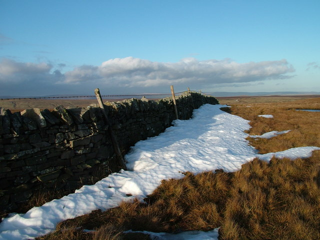Wall across the fell